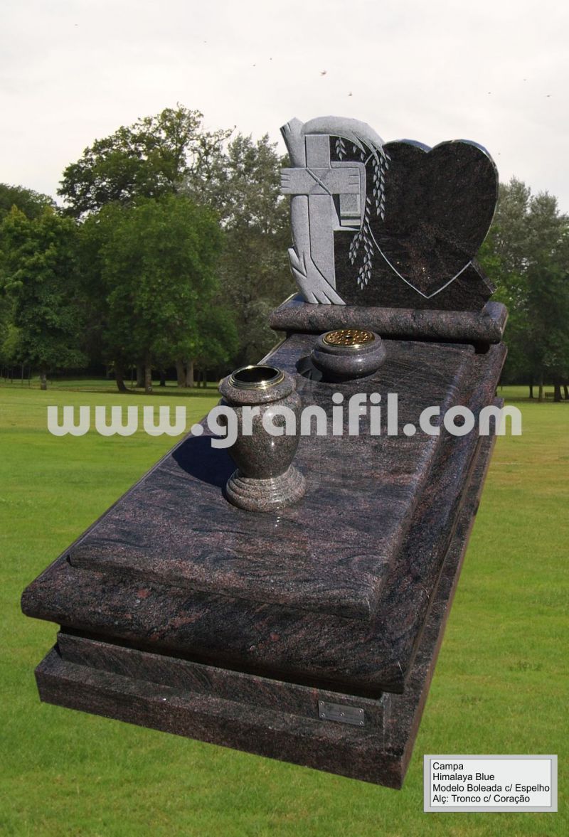 Monument in Granite -  Round Model with Tree with Heart Headstone   | Granifil - Mármores e Granitos