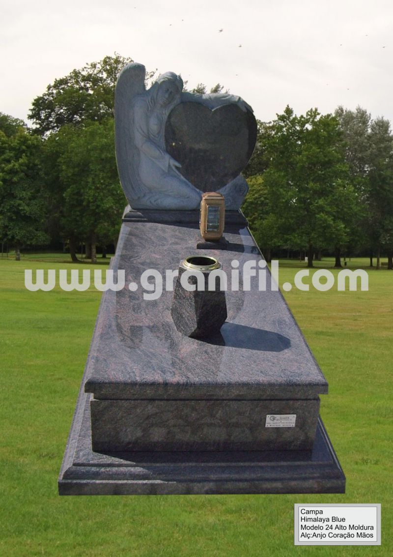 Monument in Granite - 24 High Frame with Hands Heart Headstone  | Granifil - Mármores e Granitos